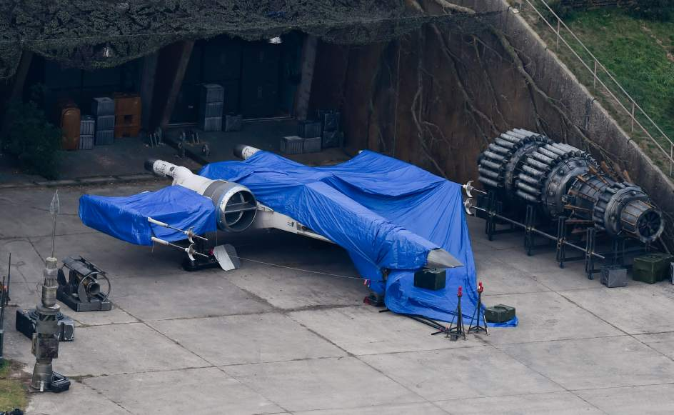 leaked Episode 7 set pictures 2
